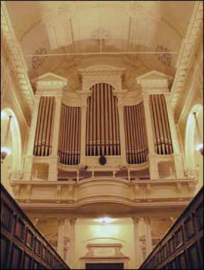 photo of organ in sanctuary.